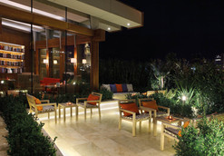 1210x840_cigar-lounge---terrace-at-night