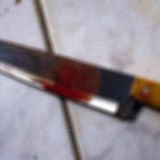 O INIMIGO EM CASA: Homem é preso após tentar matar irmã com facada no pescoço