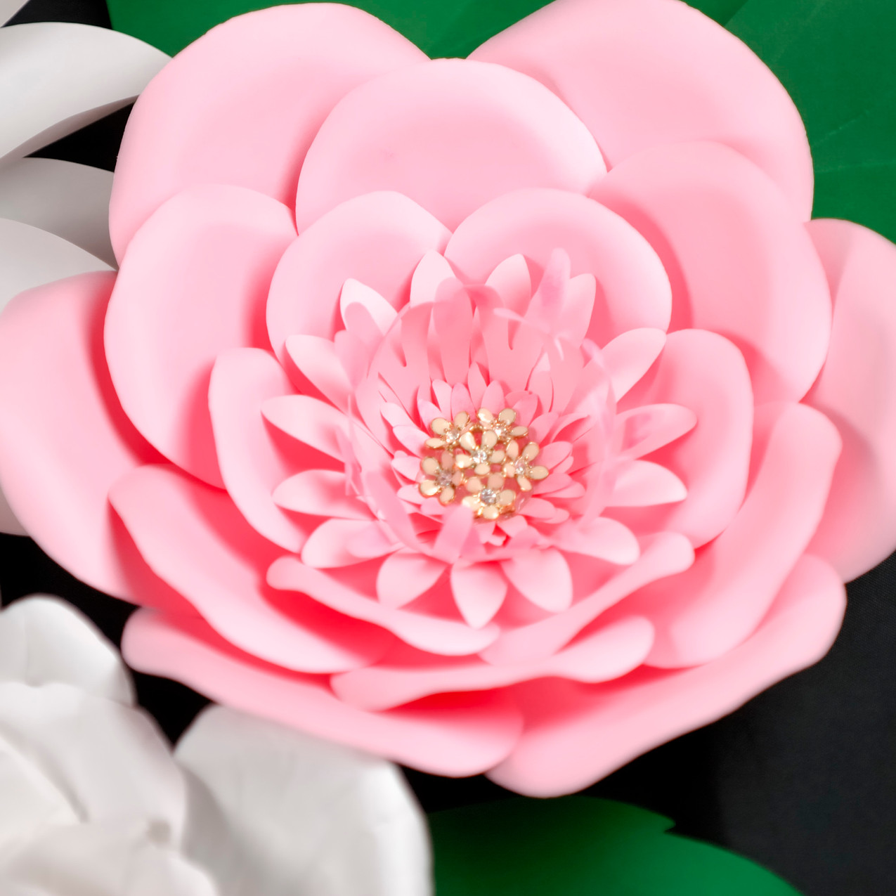 Wall giant flower decor - pink flower 1.