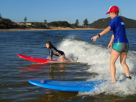 sufing a umina beach on the central coast