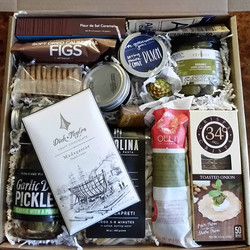 Gourmet gift box_#gourmetgiftbox #giftgiving #foodiegifts #holidaygifts #supportlocal #artisanal #ho