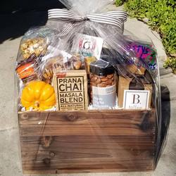 Happy Fall Gift Basket 🥧☕🍁🦃 #pumpkins