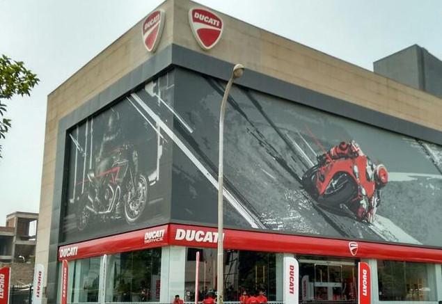 Ducati Gurgaon - India by Teco + partners