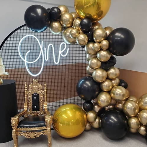 Black Gold Star Themed Party Balloon Combination