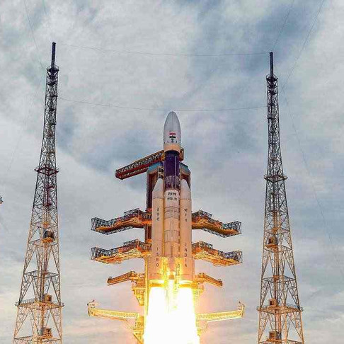 India succesfully launches Chandrayaan-2
