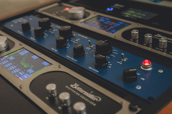 Mix Mastering Berlin dubplates and mastering berlin, mastering berlin techno, man made mastering berlin, calyx mastering, truebusyness, mastering kosten, further mastering, analog online mastering