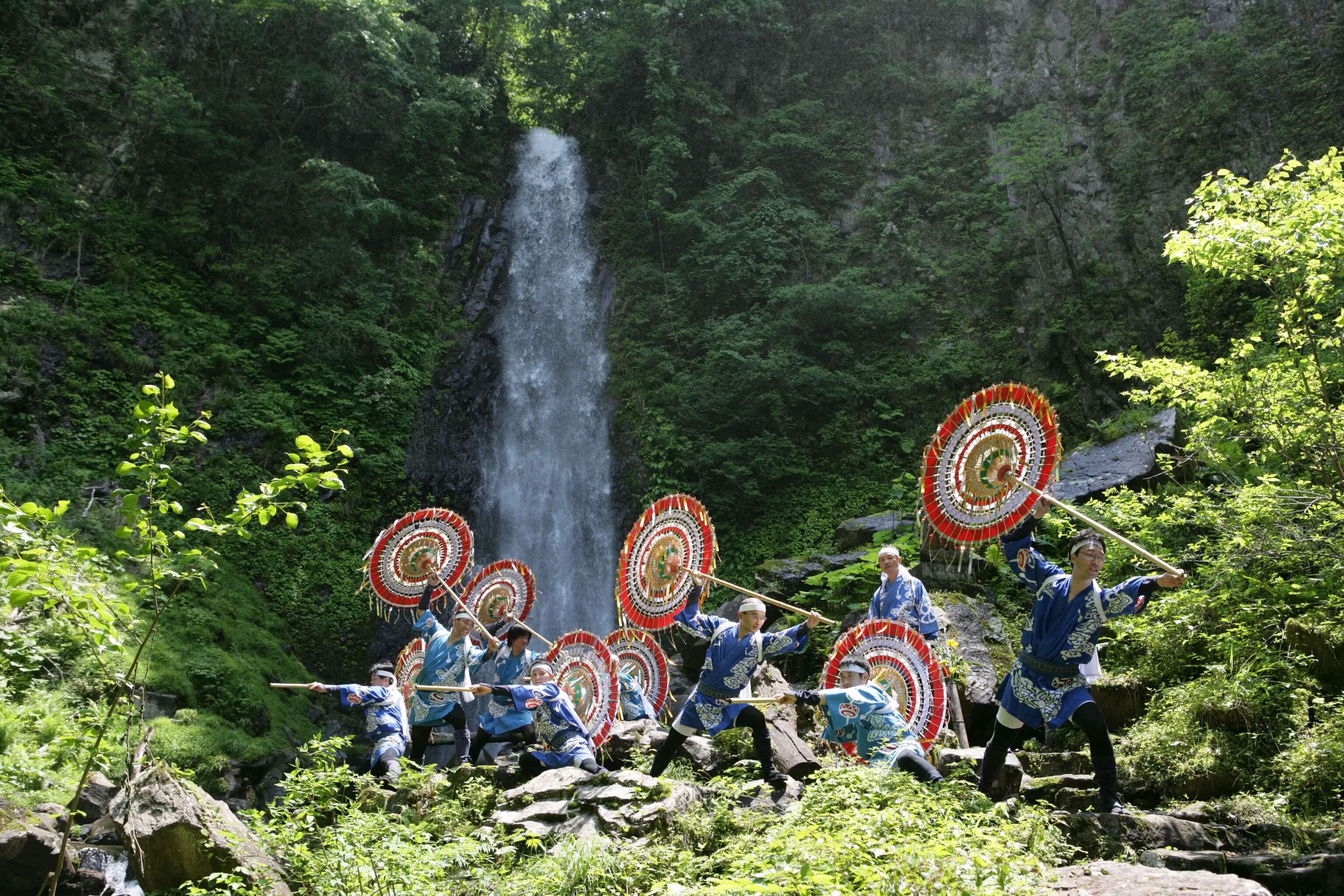 因幡の傘踊り (雨滝滝開き祭)