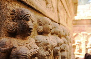 Scupltures of Bhiganandeeshwara