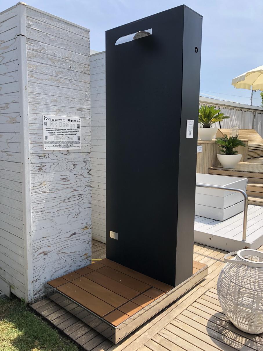 Doccia solare MONOLITH_Fantini Club_9.JP