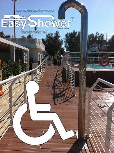 Docce automatiche Easy Shower per disabili con sedie a rotelle apposite