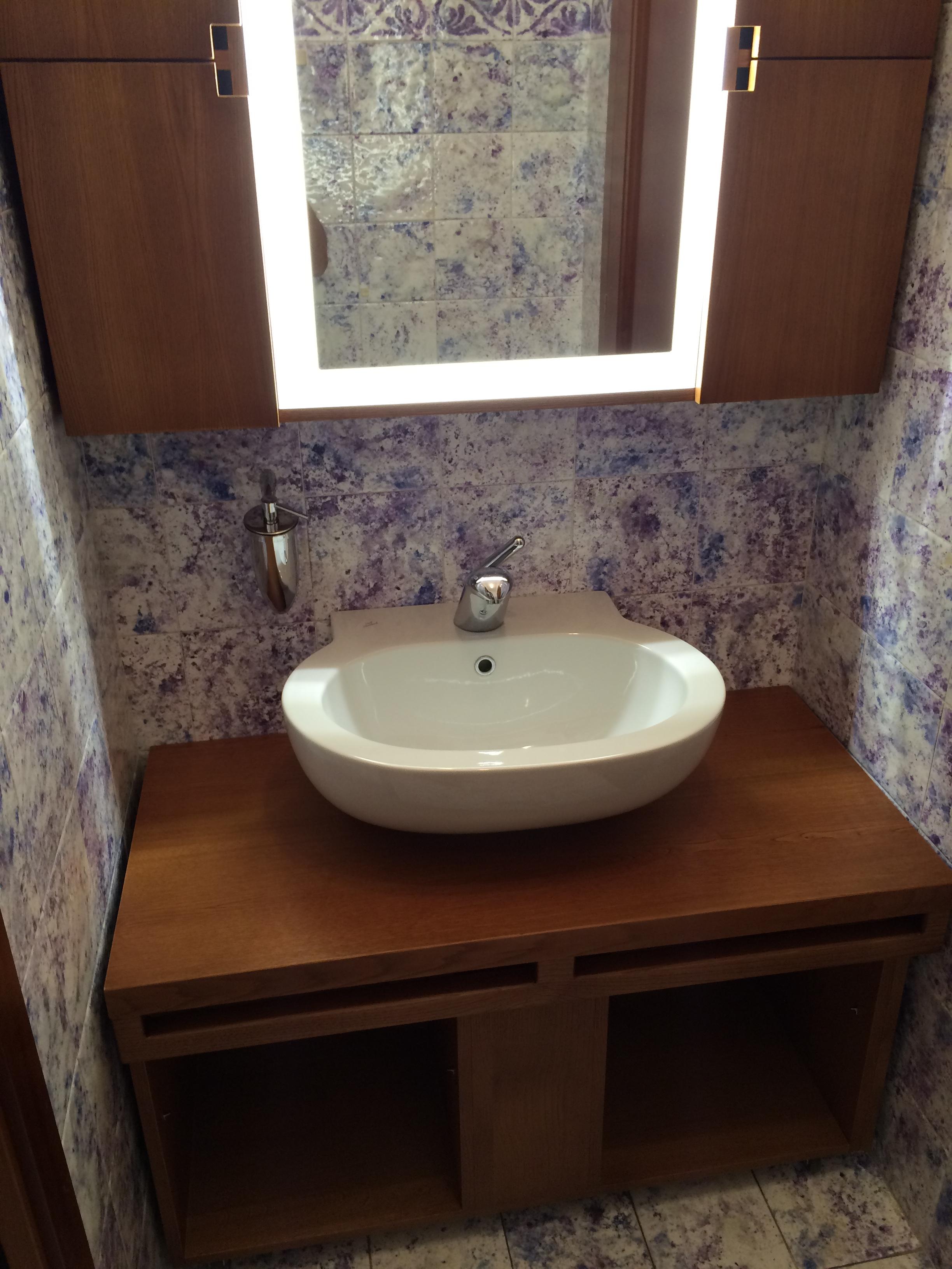 Arredamento casa bifamiliare - bagno