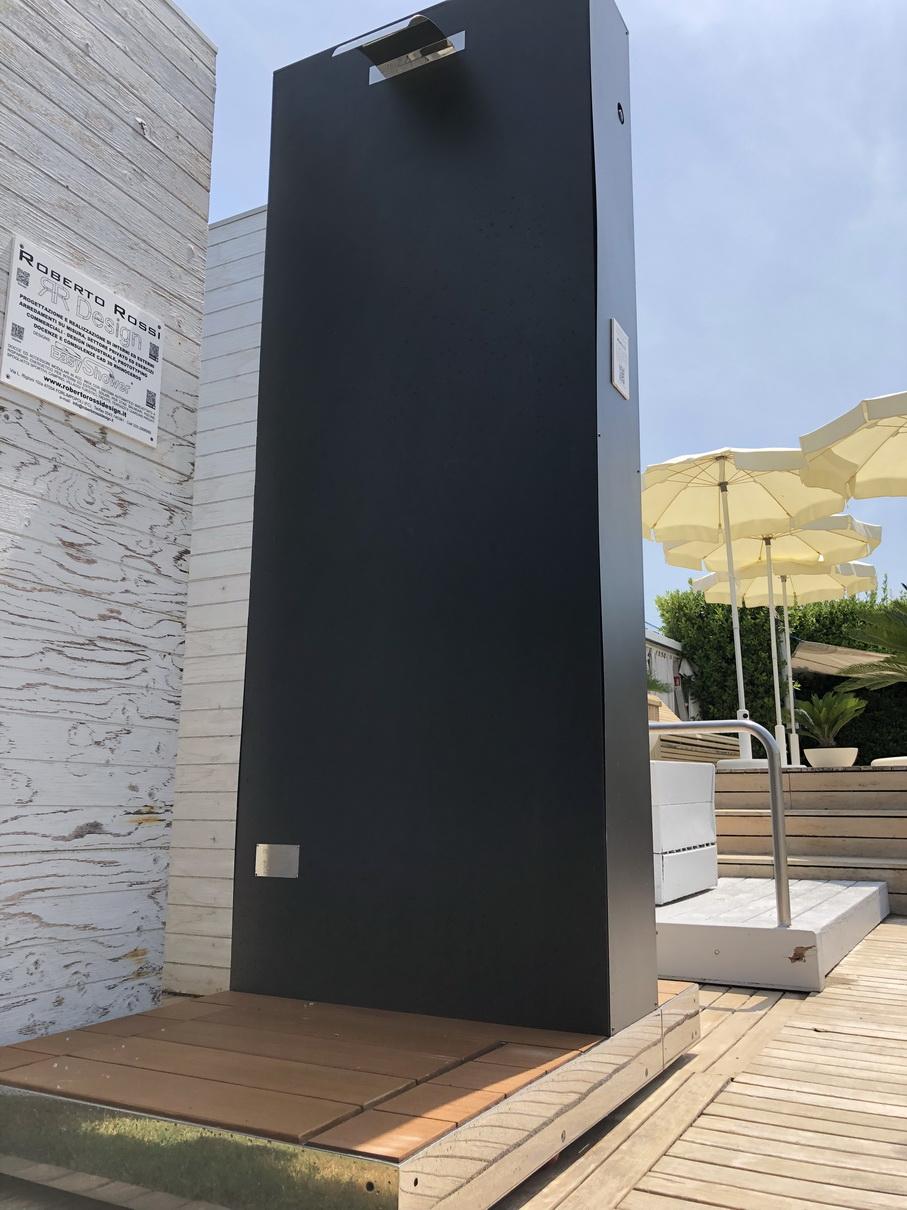 Doccia solare MONOLITH_Fantini Club_5.JP