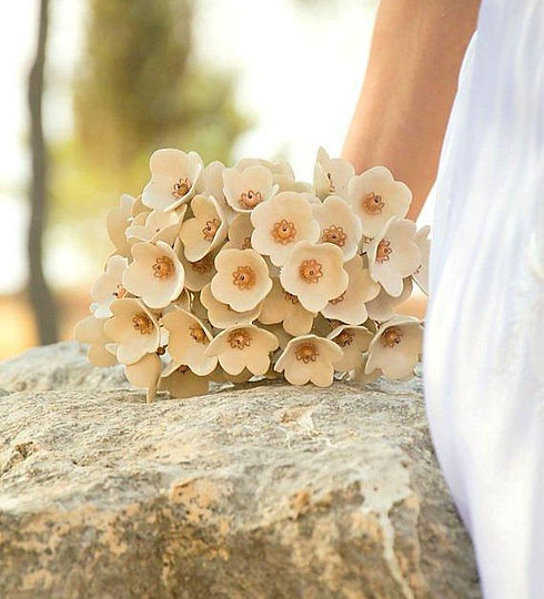 neutral-cream-bridal-bouquet-ceramic-bri