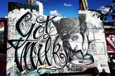 nomadic garden, got milk, blakc and white, LONDON STREET ART, graffiti, spray art, street art, edmx, realism, urban arte, arte de rua, LONDRES, LONDON, CALIGRAPHY, CALIGRAFIA, pin up