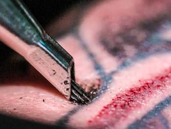 Los riesgos de tatuarse. Lo que no sabías sobre las tintas para tatuar