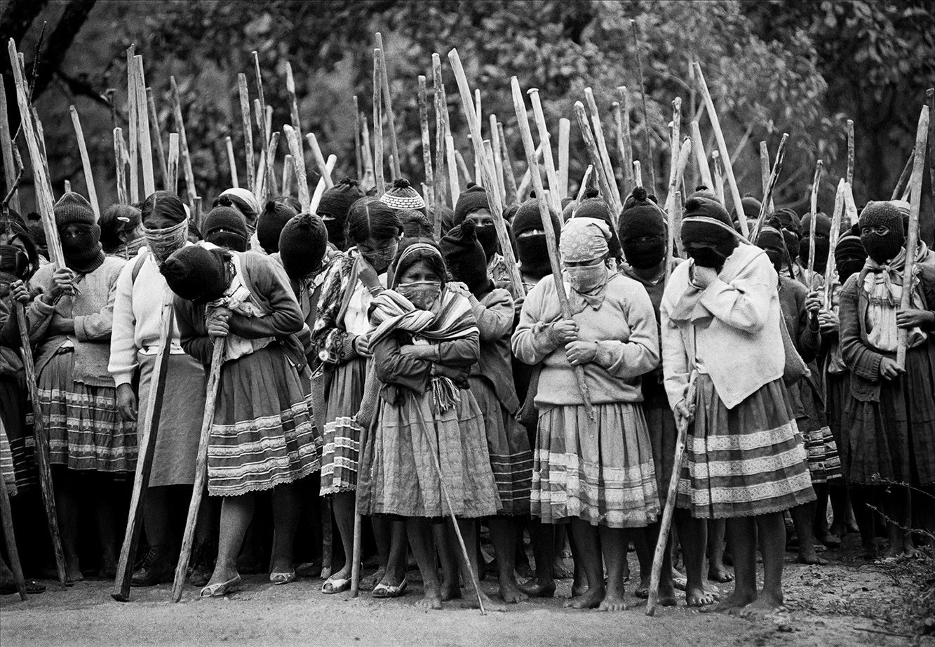 ezln-stick-weapons guerillas en mexico