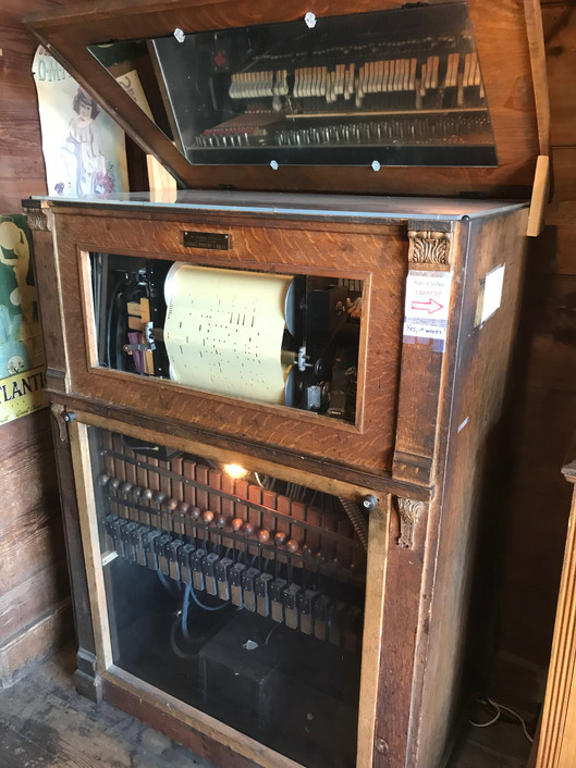 Old Sautee Store piano