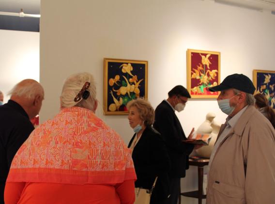 US Federal Judge Elizabeth Lamb & Dr. Dennis Selmont & Dr. Romanello viewing John Peters's paintings