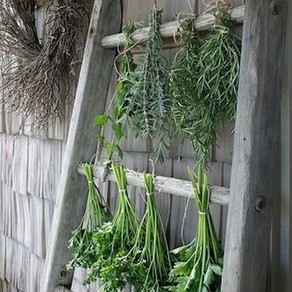 How To Decorate With Farmhouse Ladders