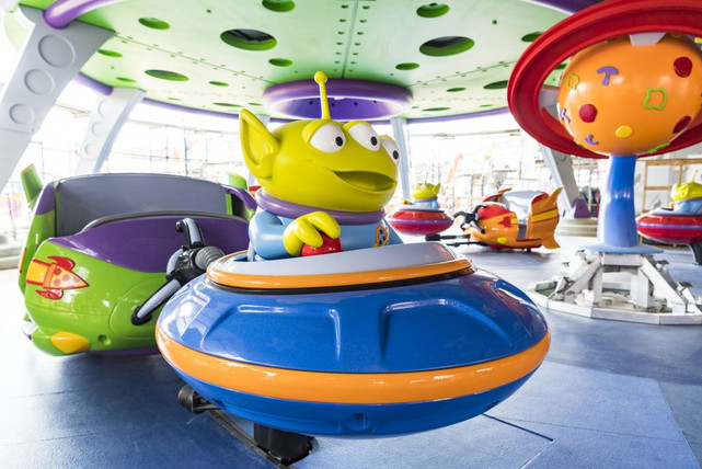 New Toy Story Land at Disney's Hollywood Studios Alien Saucers!