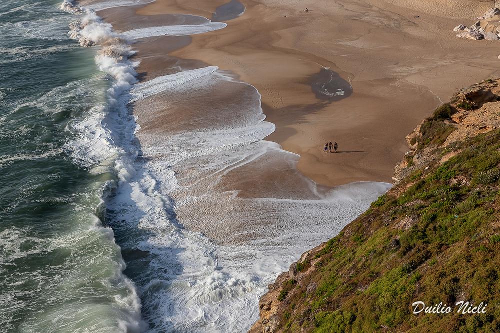 Praia do norte Nazarè Portogallo