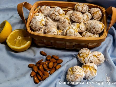 Biscotti al limone e farina di mandorle