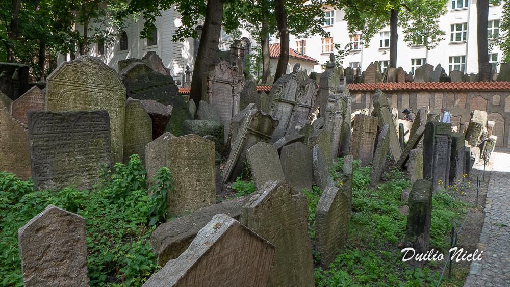 020 Praga Mont.jpg