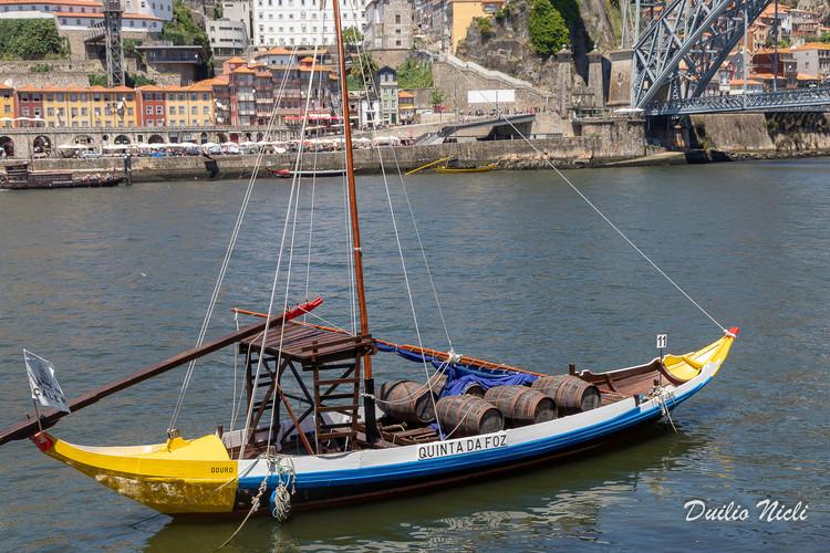 Villa de Gaia - Antiche barche che trasportavano barili di Porto - Porto