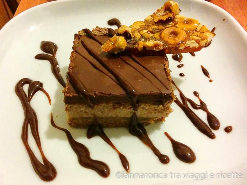 Cheesecake alla nutella con croccante alle nocciole