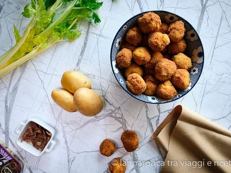 Polpette di sedano e patate all'acciuga