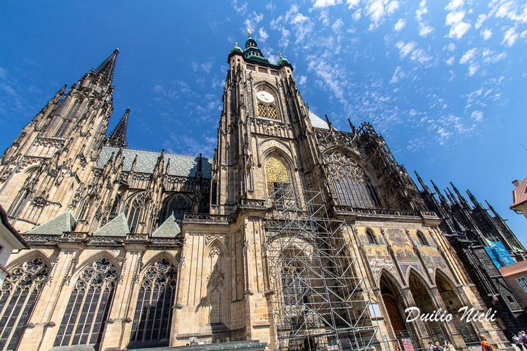 090 Praga Mont.jpg