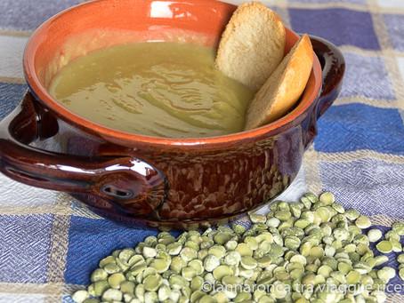 Minestra di piselli spezzati  (minestra de bisi spacai)