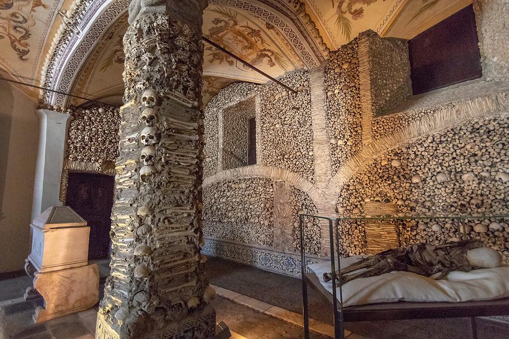 Cappella Dos Ossos Evora Portogallo