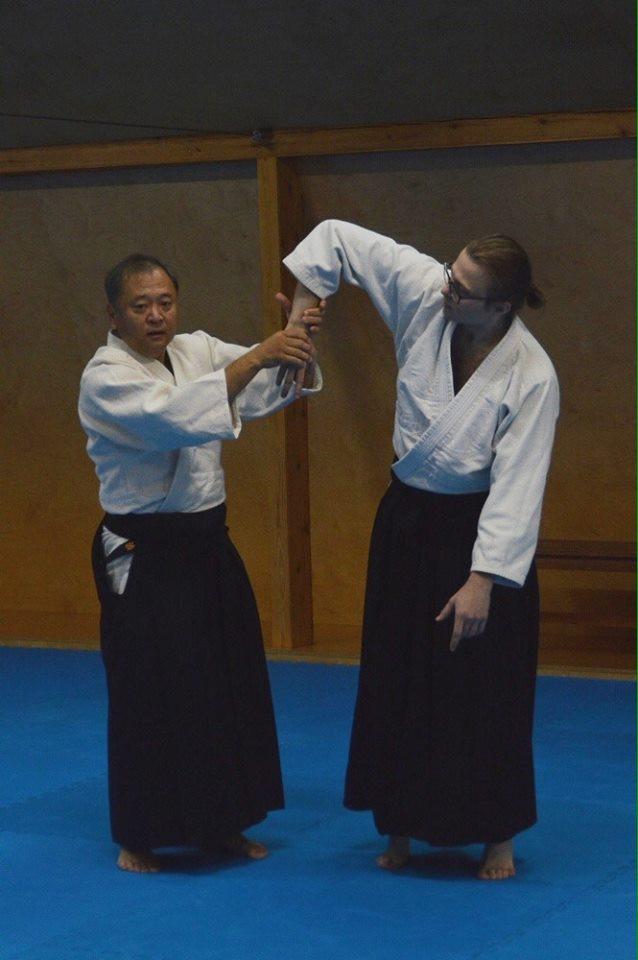 Мастер ки-айкидо 7-го дана Котодзи-сенсей