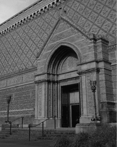 UofO Museum large b and w.jpg