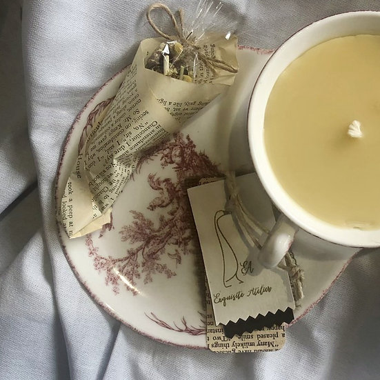 Hand-poured TeaCup Candle Large