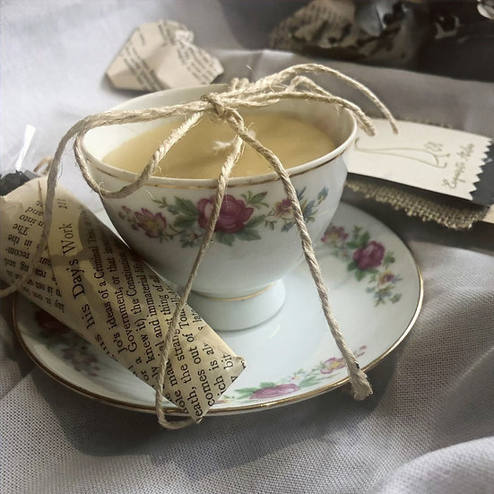Hand-poured TeaCup Candle Medium