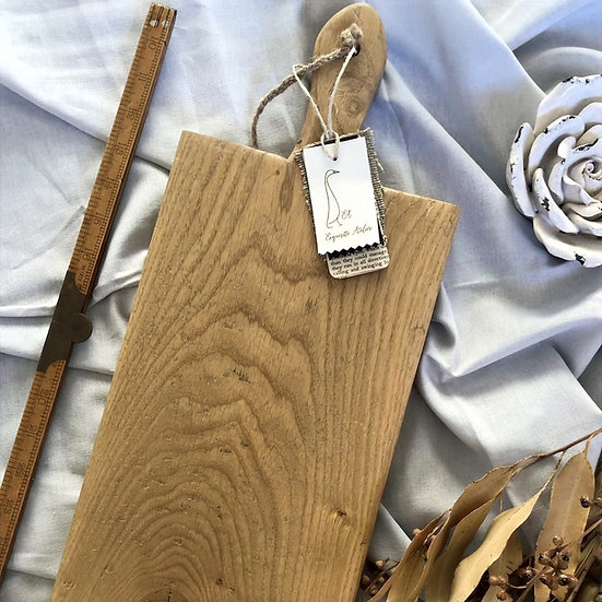 Classic handle Oak Cutting Board