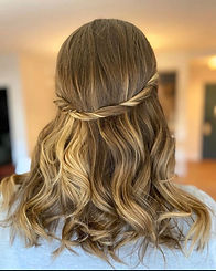 Bridal hairstylist in CT