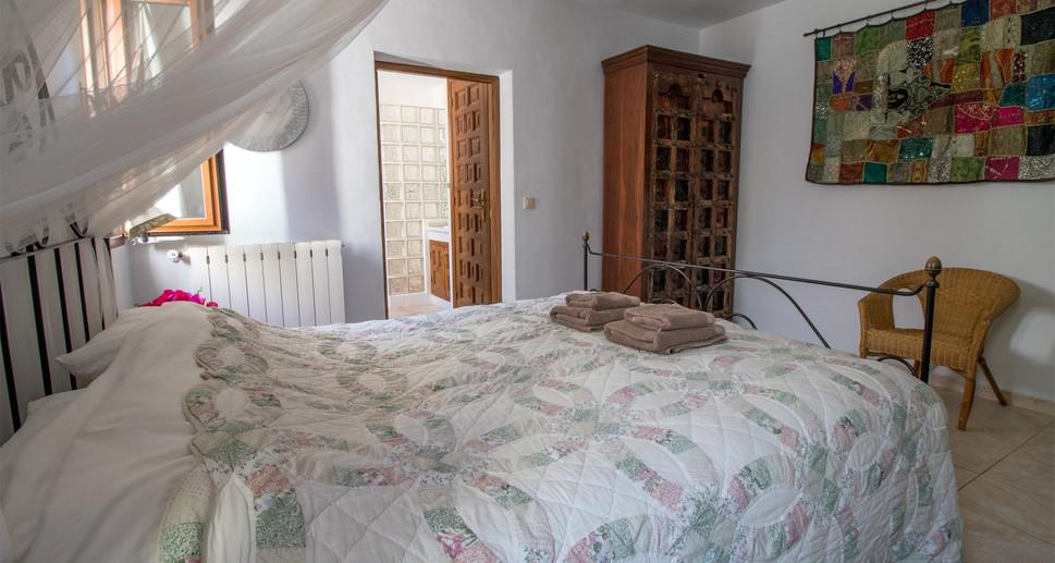 bedroom master2 web.jpg