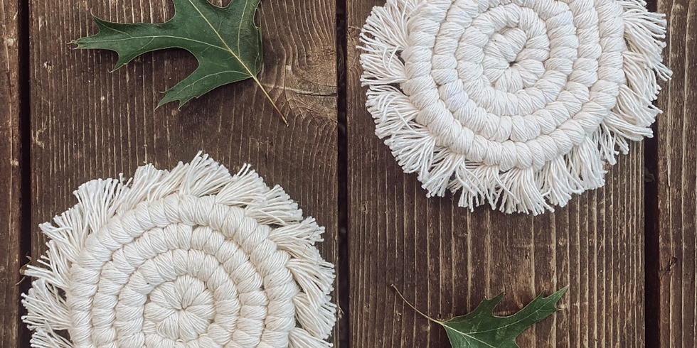 Macrame Monday in the Good Vibes Room // Natural Coaster!