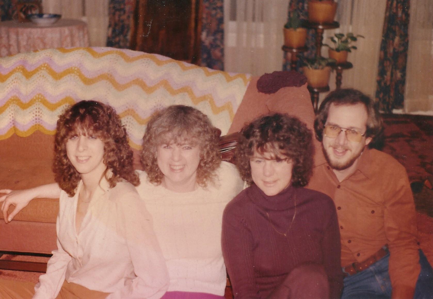 Joanie_Gloria_Carol_Andy_1981