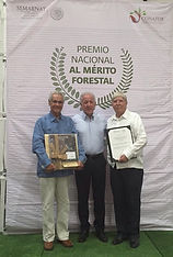 Alberto Lenz Premio Nacional Forestal.jp