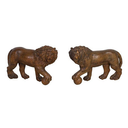 Pair C19th Carved Medici Lions