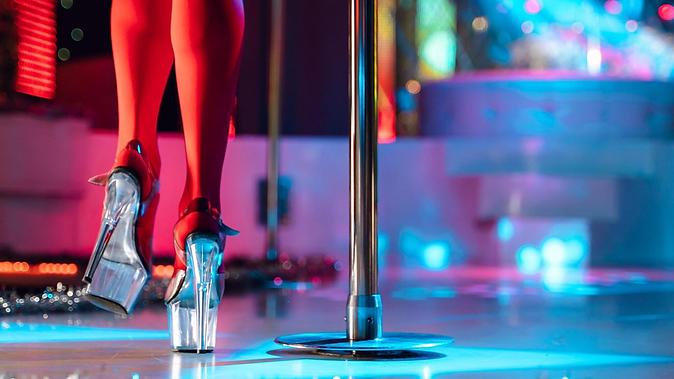 stripclubsophiasbackgroudn.png