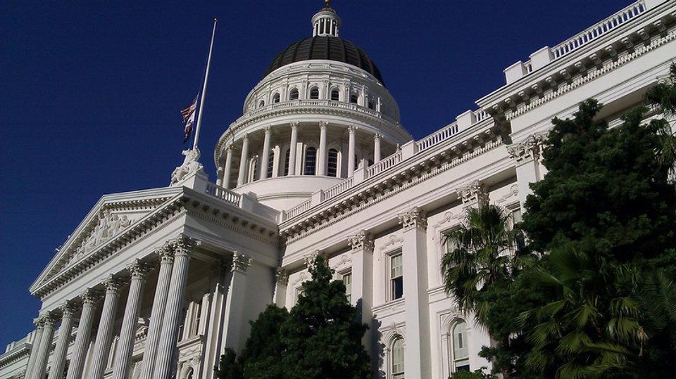 capital-building-in-sacramento-californi