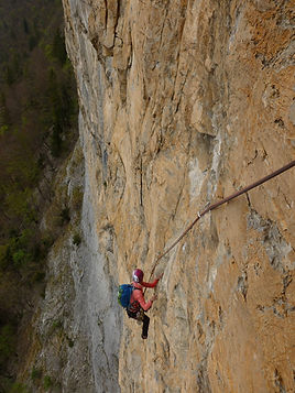 Grande voie d'escalade, Indiana jaune, voie piola, La Maladière, Haute-Savoie 74, Grimp'itude