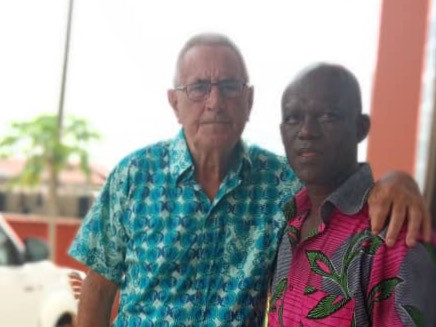 Bouw-coördinator Lub Loosman gearriveerd in Ghana