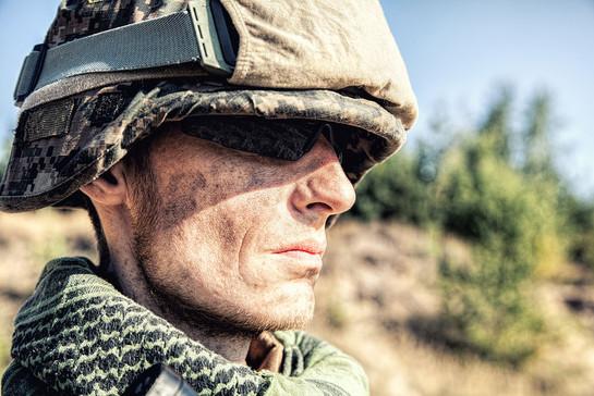 us-marine-soldier-PES5PDL.jpg
