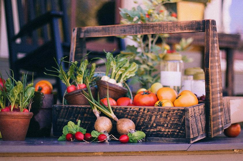 vegetable-basket-349667_1920.jpg